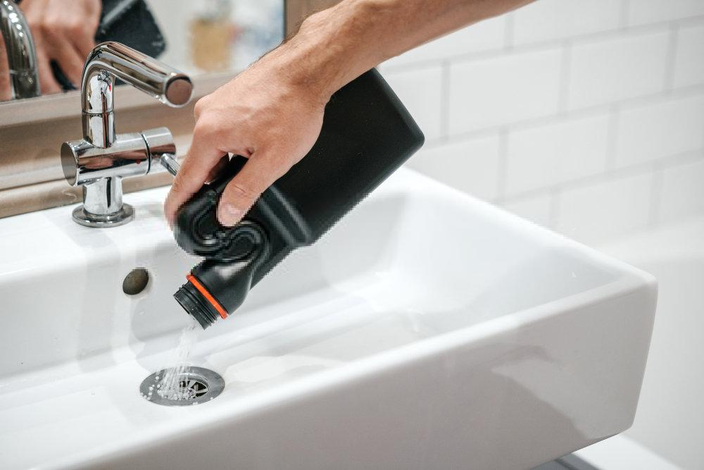 How to Clean Plastic Sinks